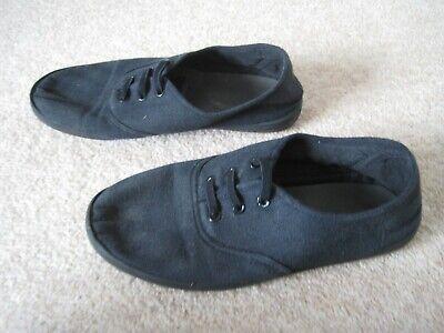 Black unisex Slazenger no lace plimsoles UK junior size 1 - good condition 2