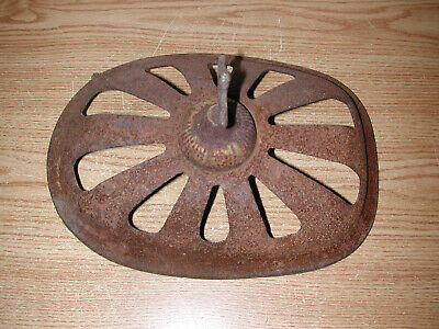 Antique Vintage Victorian Style Rusty Iron/metal Heater Cover Grate 7