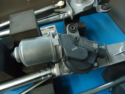 Toyota Highlander New Motor & Link Assy. F. Part#85010-0E050-00