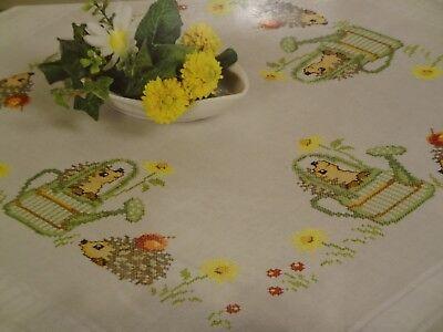kompl. Stickpackung Tischdecke Mitteldecke vorgezeichnet Frühlingsmotive 80x80cm 6