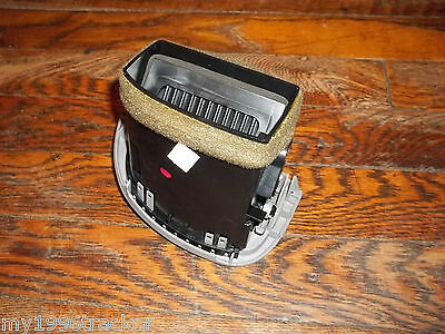 95-04 FORD EXPLORER RANGER DASH PASSENGERS END VENT GRAY99 98 97 96 00 HEATER AC