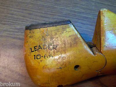 VINTAGE PAIR Wood Size 2-1//2 E  LEADER X4914 Shoe Factory Last Mold  #310