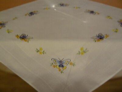 kompl. Stickpackung Tischdecke Mitteldecke vorgezeichnet Frühlingsmotive 80x80cm 5