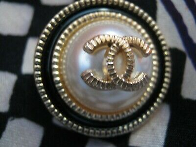 CHANEL  1 CC  PEARL CENTER, BLACK GOLD 23mm BUTTON THIS IS FOR ONE 3