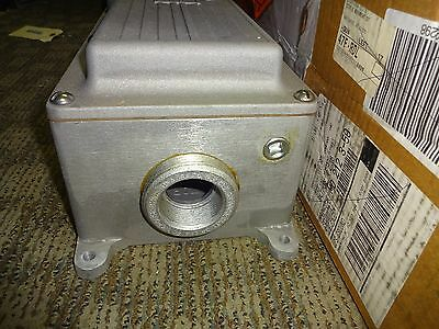 Crouse Hinds Dbr51742 Interlocking Receptacle Enclosure 3 Wire, 4 Pole, 100 Amp 7