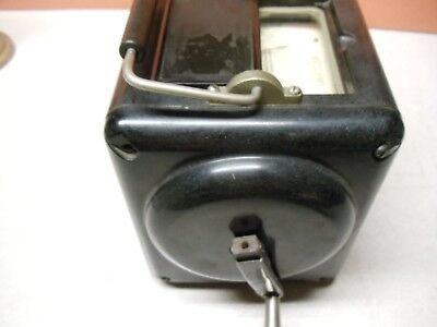 Vintage 1945 MEGOHMMETER for MEGOHMS by Interstate Manufacturing Company 2