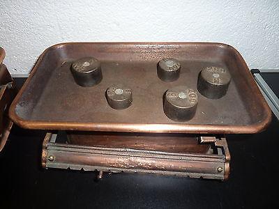 2 antike Waagen +  8 Gewichte Kaufleute Krämer Waage 3