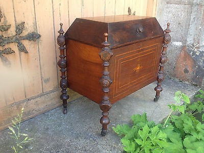 Antique Early 19th Century Inlaid Mahogany Sarcophagus Shaped Wine Cellarette 5