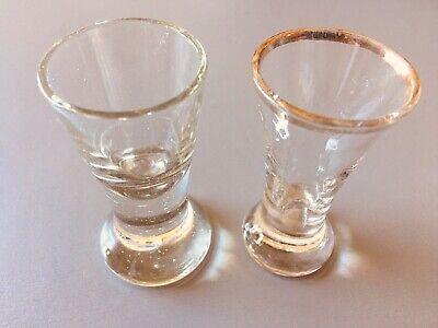Altes Tablet mit 18 Gläsern (davon Ist 1 Glas Eigentlich Eine Vase) Ohne Tablett 4