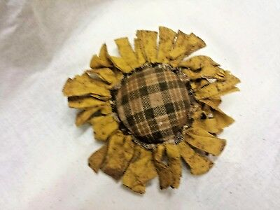 Primitive  Bowl Fillers/Ornies/Yellow Sunflowers/Brown Plaid Center/Grunged 2
