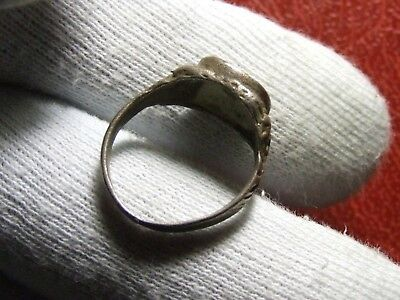 Antique carved bust of an Emperor silver ring to identify 5