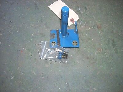 Ford 1715 Tractor RH Step Support , SBA35500580 3