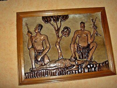 AFRICA/ART   ZAIRE  TABLEAU    CHASSEURS CUIVRE  S/ peaux ANTILOPE   42x54 cm 2