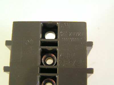 Wtyczki, przełączniki i kable Terminal Block 3 Barriered Poles Each with 5 Faston Tabs 16A 400V OM0440