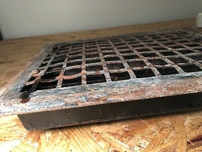 N 26 Antique Sheet Metal Heating Grate With Fins 3