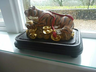VINTAGE Chinese  Year Zodiac Wealth Cai Fierce Feral Tiger Statue carving 2