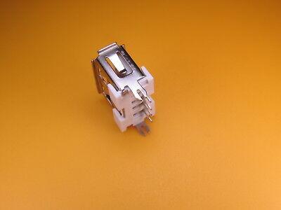 1 x USB Einbaubuchse, Kupplung Typ A,  löten,stehend,  kurze Variante 10 mm