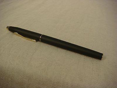 Cross Century Black /& Gold  Fountain Pen Medium Pt Made In Ireland 2506