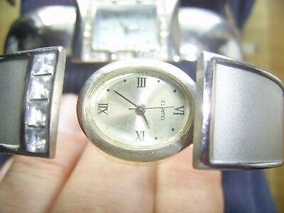 3 Damen Armband Uhren Klapp Meschanismus Dachbodenfund.