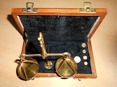 Nostalgie Apothekerwaage Goldwaage Waage in Holzschatulle mit 5 Gewichte 1-10g 2