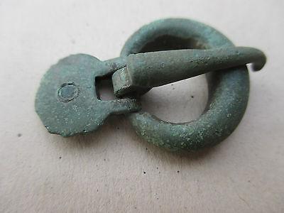 Small bronze belt buckle . Goths. 2-4  AD 6