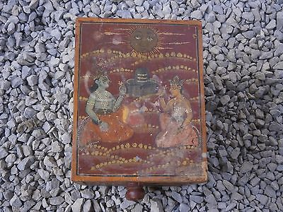 Antique Vintage Wooden Box Wiht Tree Drawers Beautiful Painting 3