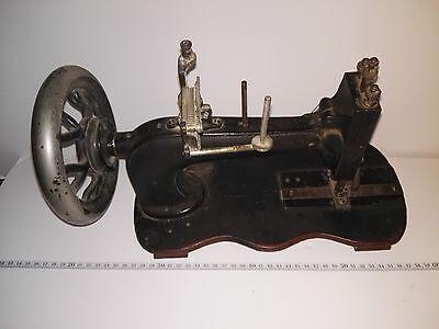 Cabezal máquina de coser antigua. Ref-1052e