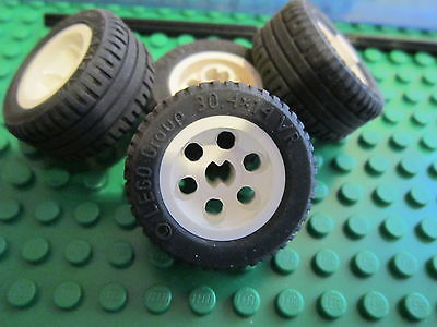 2 No 8 Axles Black Rubber Tyre Lego 4 x White Hub Technic Wheels 30.4 14 VR