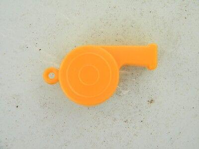 ... ANCIEN SIFFLET PLASTIQUE 2 COULEURS Jaune Orange Années 50/60 / WHISTLE  FOOTBALL 2
