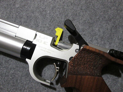 .177/4.50mm Breech Plug / Safety flag Range Safety Plastic made