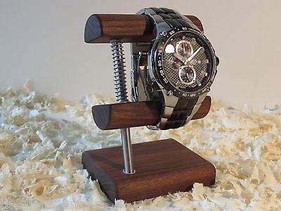 Uhrenständer, Uhrenhalter, Uhrenträger, Uhrenaufsteller aus edlem Nussbaumholz