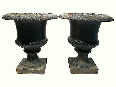 Antique Pair of Capagna Form Cast Iron Garden Urns - U.S. - Late 19th Century 2 • CAD $7,500.00