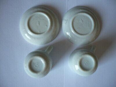 zwei alte Tassen und Untertassen für die Puppenstube aus Porzellan/Keramik 2
