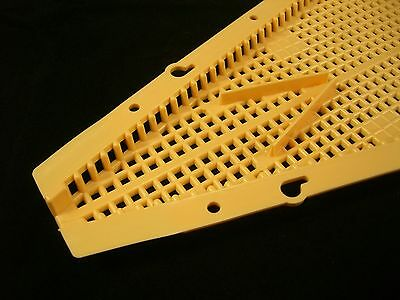 [UK] 12 Pcs Beekeeping Rhombus Bee Escapes