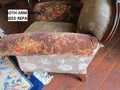 Vintage Carved Mahogany Armchair.(Sort Back) 10