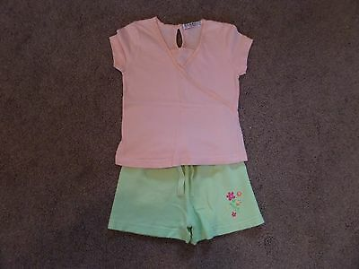 SUPER CUTE!! Girl's GEORGE Outfit Top & Shorts Age 2-3 Peach & Green--LOW START 2