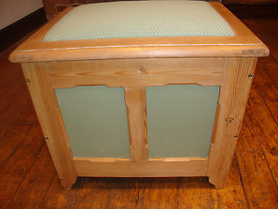 Antique pine and painted box seat 4