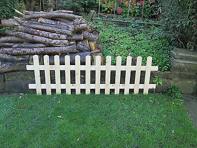 The Beckets 5ft x 3ft Planed Smooth Side Gate Arch Top