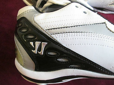 New Balance Warrior Lacrosse Cleats LX2000MW. Man's Size 9 White/Black/Silver