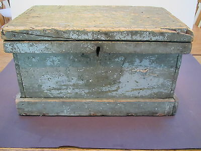 "Viintage wood 15 1/2""L X10""D X 8 1/2""H carpenters tool or document box-orig lock 3"