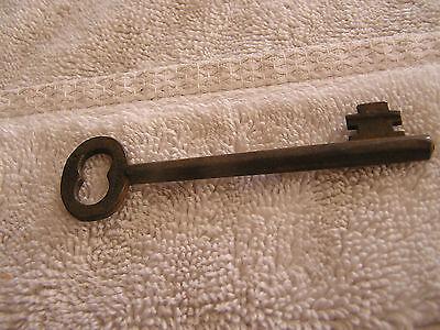 Antique R & E Manufacturing Skeleton Key