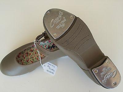 Capezio 358C Caramel 2M USA Split Sole Jazz Lace Up Jazz Shoe Fits Child 13.5