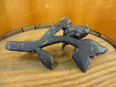 2 BROWN ANTIQUE-STYLE BIRD LEAF WALL HOOKS CAST IRON COAT KEY rustic garden 6.5 8