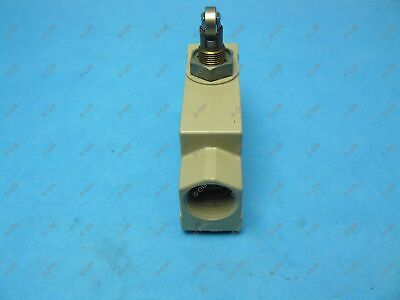 Omron ZE-Q22-2S Limit Switch Side Mount Top Roller Plunger 15 Amp SPDT 2