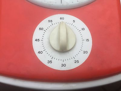 junghans 1950s or 60s  red kitchen clock with timer. 3