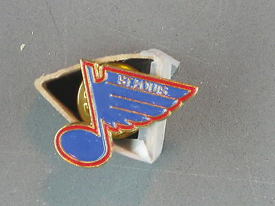 St Louis Blues  Hockey Club Pin Vintage 1980