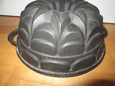 Dekorative Gusseisen Gugelhupf Form, Kuchenform, Backform 20/30er Jahre