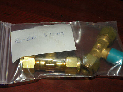1//8 in Female Branch TEE SWAGELOK SS-200-3-TTF Tube Fitting Female NPT Tube OD X 3//8 in Tube OD X 1//8 in
