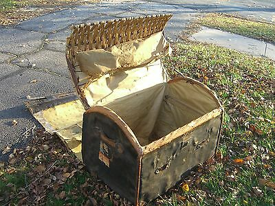 Vintage Oil Cloth/Wicker English Steamer Trunk w/White Star/Cunard Stk c.1930 6