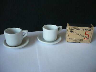 zwei alte Tassen und Untertassen für die Puppenstube aus Porzellan/Keramik 3